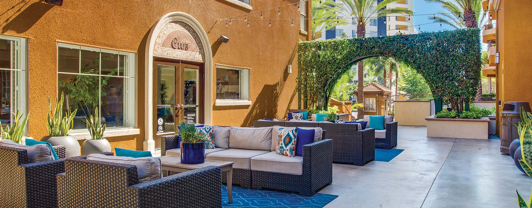 Palazzo East – Los Angeles, CA – courtyard